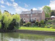 Detached house in Waterside, Evesham...