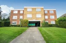 2 bedroom Flat to rent in Ravensbourne Park...