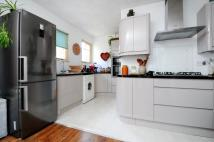 Apartment to rent in Chalsey Road Brockley SE4