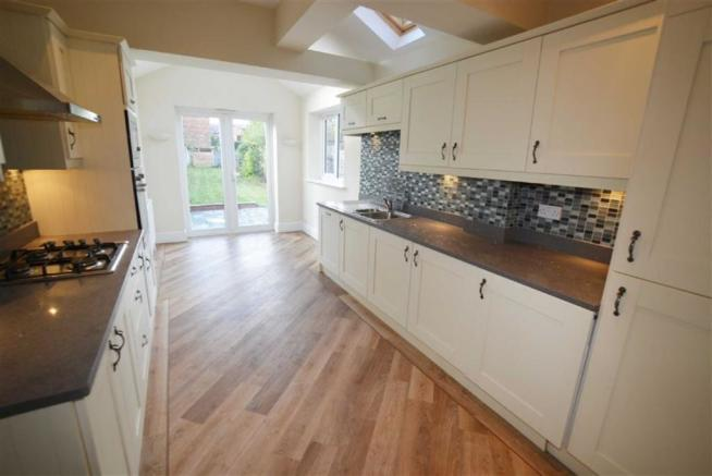 EXTENDED KITCHEN/DIN