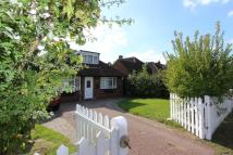 Detached Bungalow to rent in Denham