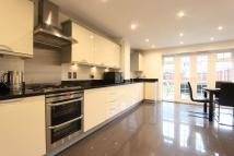 Town House to rent in Ruislip