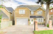 5 bedroom Detached home in Irthlingborough Road...