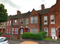 Ground Flat to rent in Seymour Road, London, E10