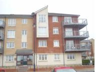 Apartment to rent in Glan Y Dwr, Y Rhodfa...