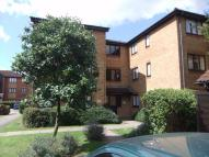 Flat to rent in Acworth Close, Edmonton...