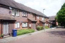 2 bedroom Ground Flat in Copwood Close, London...