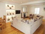 2 bed house in Grove Terrace, ,