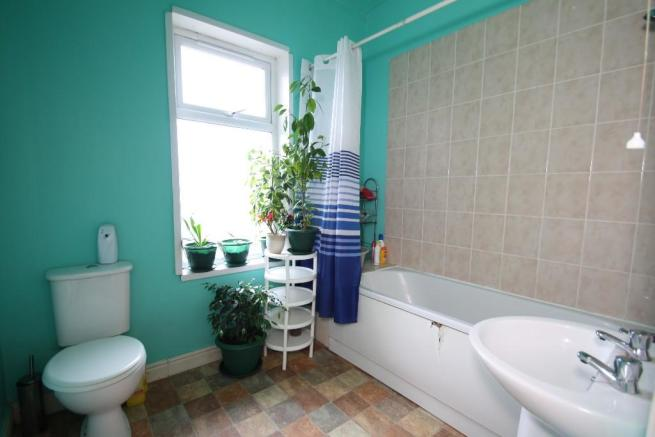 F/floor Bathroom