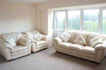 Apartment to rent in Essex Court, Newport...