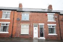 2 bed Terraced property to rent in Queens Road...