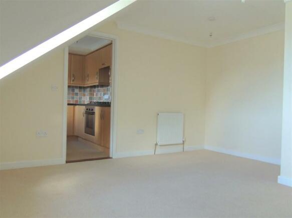 facproperties.co.uk-estate-agent-estate-agents-Lou
