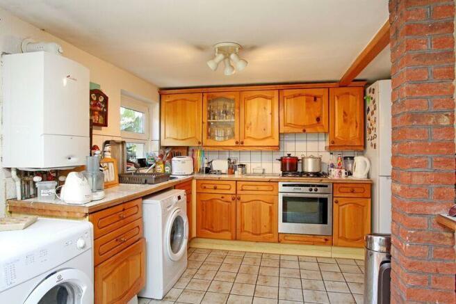 632. Kitchen 1.jpg
