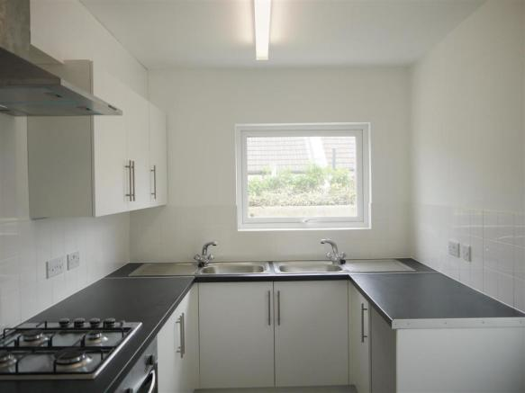 639. Kitchen.JPG