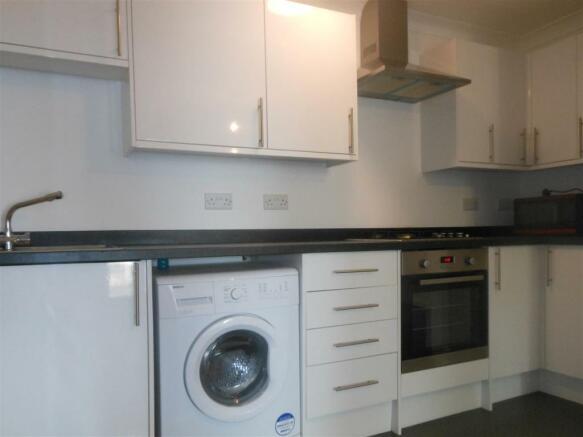 641. Kitchen.jpg