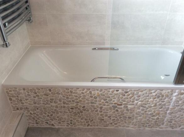 689. Bath 2.jpg