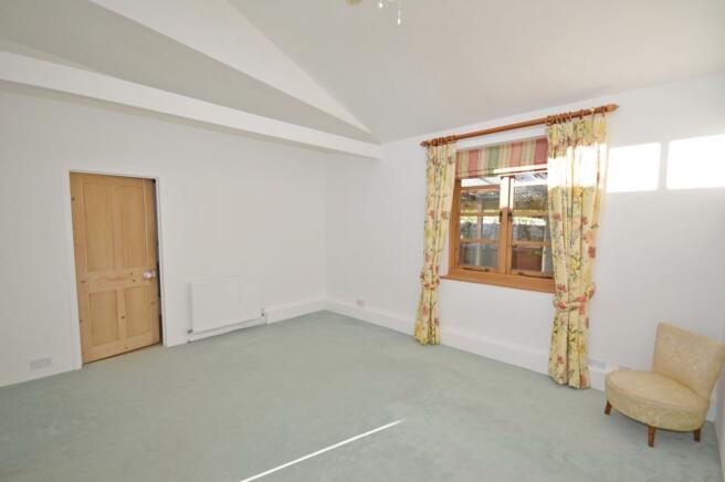 Bedroom Bungalow to