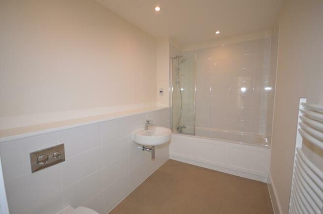 Bathroom Apartment t
