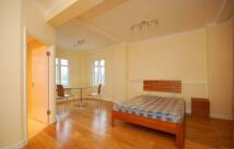 Studio apartment to rent in Warren Street, Fitrovia...