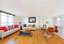 Apartment to rent in Devonshire Place, London...