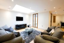 3 bed Apartment in Cottesmore Gardens...