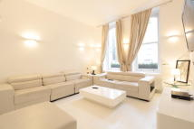 4 bedroom Apartment to rent in Westbourne Gardens...