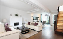 6 bedroom Town House in Wilton Place...