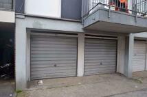 Garage to rent in Aldriche Way, Chingford