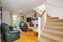 3 bed house to rent in Oliver Close, Chiswick...
