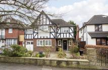 5 bed Detached home in Corringway, Ealing London