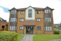 2 bed Flat to rent in Conifer Way, Wembley...