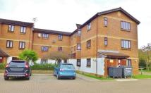 Flat to rent in Alliance Close, Wembley...