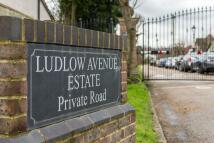 4 bedroom Detached Bungalow in Ludlow Avenue, Luton...