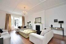 4 bedroom Flat in Belsize Square, London, ...