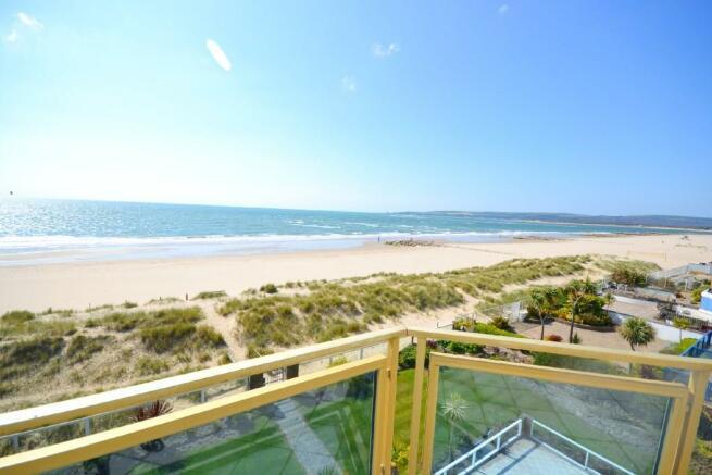 3 bedroom penthouse for sale in banks road sandbanks poole dorset bh13 bh13. Black Bedroom Furniture Sets. Home Design Ideas
