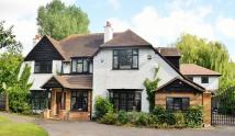 5 bed Detached home in Fairwaye Bromham Road...