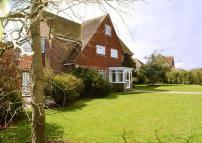 6 bed Detached property for sale in GORING HALL