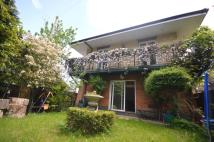 3 bed Detached property in Fisher's Close Streatham...