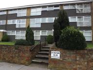 2 bedroom Flat to rent in Chatsworth Road...