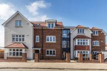 2 bedroom Apartment to rent in Oaklands Avenue, Romford...