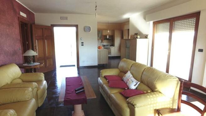 Living area, kitchen