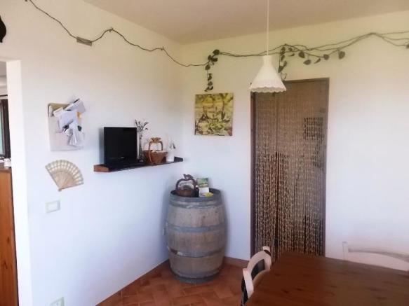 Dining area, pantry