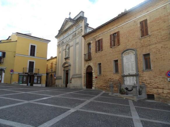 Piazza Bucchianico