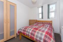 Flat to rent in Queen Anne Terrace...