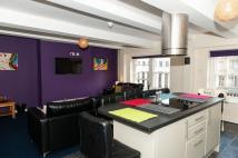 Flat to rent in 26 Market Place