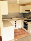 Ground Flat to rent in Queens Road, Watford...