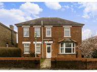 Flat in 94 Manor Road Guildford...