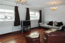 5 bedroom semi detached home in Lilac Crescent...