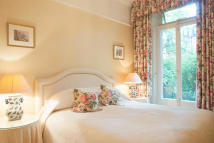 property to rent in Sloane Gardens, London, SW1