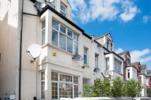 2 bedroom Flat to rent in Chichele Road...